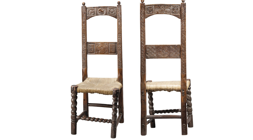 Deux chaises de dentellière du Velay