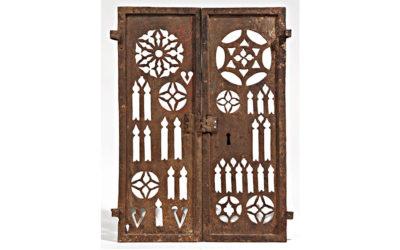 Rare grille d'armoire eucharistique du XVe