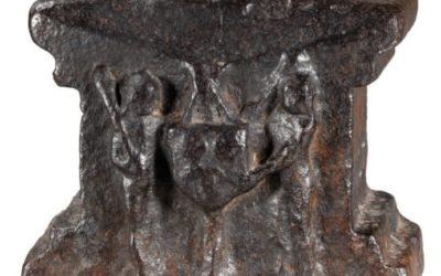 Enclume du XVIe siècle blasonnée